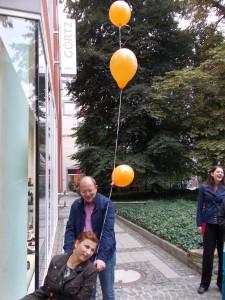 Neunundneuzig Luftballons brachten mich zum Horizont